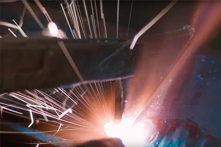 каким лазером режут металл фото